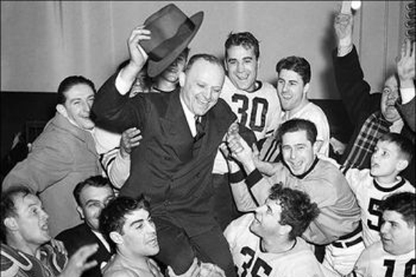 1940 - Chicago Bears defeat Washington Redskins 73–0 in the NFL championship game