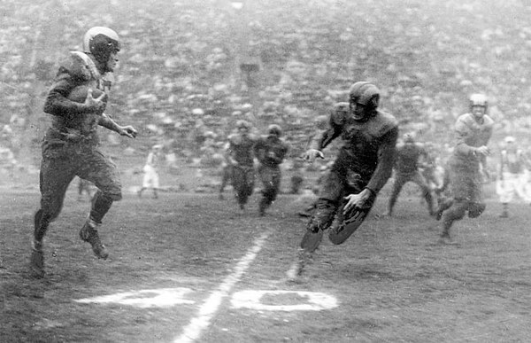 1949: Philadelphia Eagles Defeat Los Angeles Rams in Quagmire for NFL Championship on December 18, 1949