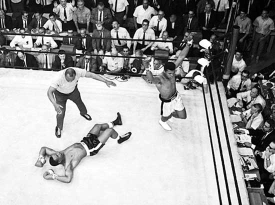 Clay knocks out Liston on February 25, 1964