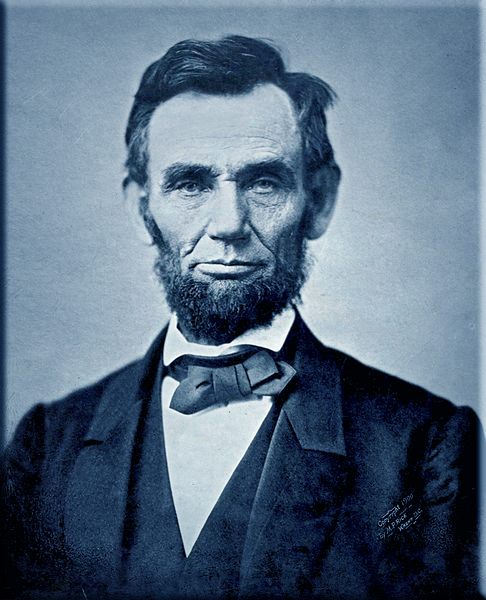 Lincoln delivers Gettysburg Address on November 19, 1863