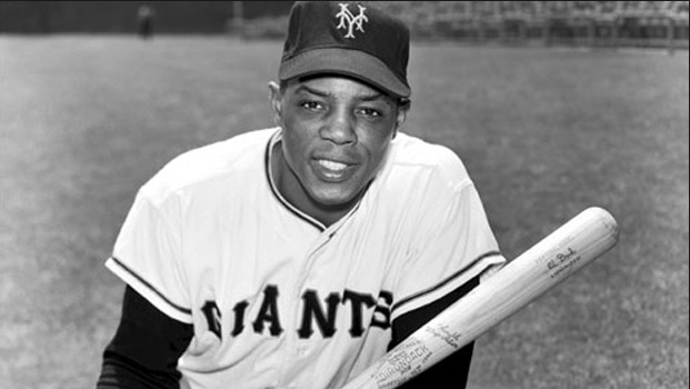 Willie Mays breaks National League home run record on May 04, 1965